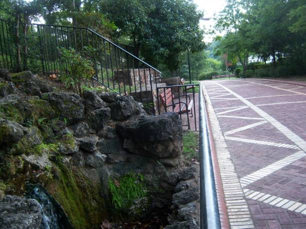 2014.09.21-Spring and Walking Path on the mount above the Bath Houses -Hot Springs 012 (2)